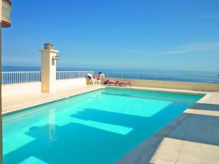 Ashley&Parker - ROYAL LUXEMBOURG - On the Promenade des Anglais, top floor pool