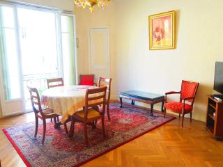 Ashley&Parker - MER ET  SOLEIL - Large 1 bedroom apartment in the center of Nice