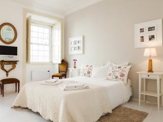 Alfama Vintage II Apartment | RentExperience, Sobral de Monte Agraco