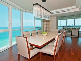SOUTH BEACH 3 BEDROOMS APARTMENT WITH PARKING, Miami Beach