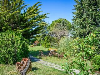 Tranquil and beautiful garden retreat in the Marche hills - dogs OK!, Senigallia