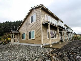 Dog-friendly oceanfront home w/ a hot tub & beach access!