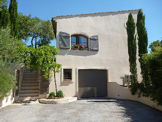 3 bedroom Villa in La Mole, Cote d Azur, France : ref 2299567