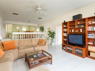 Our House at the Beach 222, 2 Bedroom, Heated Pool, Tennis, Sleeps 4, Siesta Key