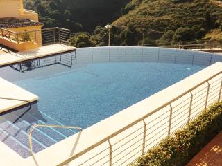 Modern apartment with big terrace and great views, Sitio de Calahonda