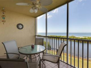 Sand Caper 604, 2 Bedrooms, Gulf Front, Elevator, Heated Pool, Sleeps 4, Fort Myers Beach