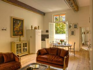 Elegant 2 Bedroom Apartment in Le Marais, Paris