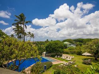 Manualoha 607 Fantastic ocean view 2bd short walk to Brenneckes Beach-Free car with stays 7/nts or more, Poipu