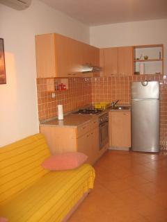 A4 Jurica (2+1): kitchen and dining room