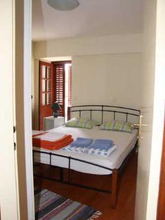 H(7+2): bedroom