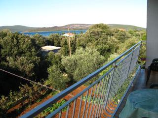 A4(4+1): terrace view