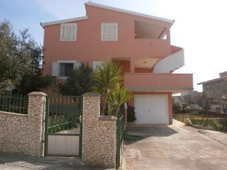 35946 A1 (4) - Cove Kanica (Rogoznica)