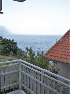 A2(4+1): sea view