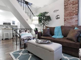 Upscale Charm in Charm City- Federal Hill sleeps 6, Baltimore