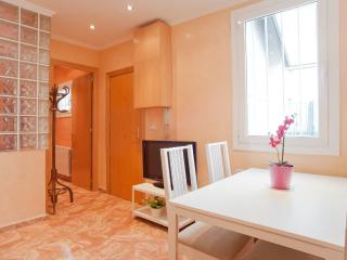 Villarroel - 2 Bedroom Apartment - RNU 68361, Barcelona