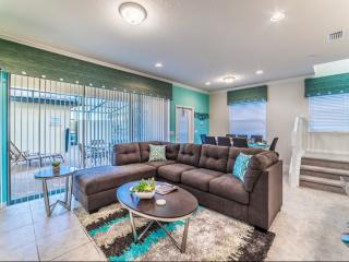 Private Florida Oasis Private 5 Bed Townhome