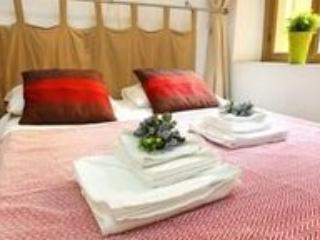 Laterano 2 Bedroom Apartment - ITR 47970, Roma