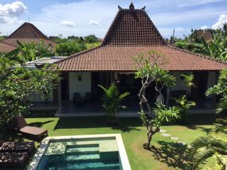 Traditional & Contemporary villa in Umalas - 4 bdr, Kuta