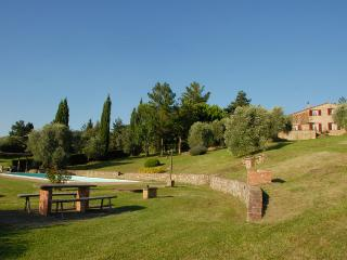 6 bedroom Villa in Siena, Tuscany, Italy : ref 5227145