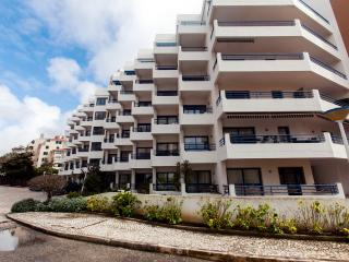 2 bedroom designer apartment with pool in Cascais