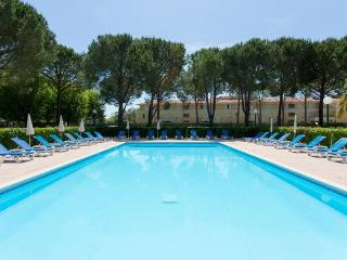 Appartement de vacances piscine proche mer, Cannes, Mandelieu-la-Napoule