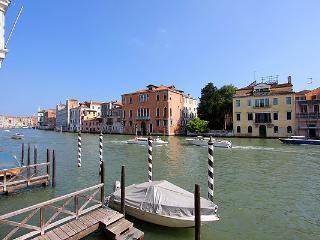 ROMANTIC, Venecia