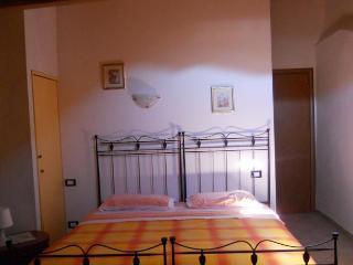 apartamento centro storico solo camere, Borghetto di Vara