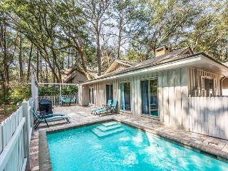 Cotton 1, 3 Bedrooms, Private Pool, Fenced Yard, Pet Friendly, Sleeps 8, Hilton Head