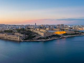 Panoramic sea view ,most central ,Valletta