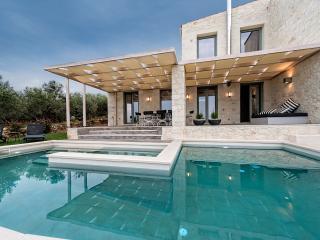 Faidra's Olive Grove Luxury Villa, Kontomari