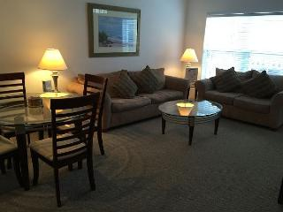 3 Bedrooms Townhouse at Villas at Seven Dwarfs only 4 miles from Disney! - MT