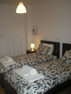 Bed linen and towels included