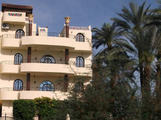 VILLA BAHRI 5 star apartment, rural West Bank, Luxor