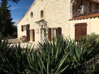 Cuxac cottage with garden, Cuxac-d'Aude
