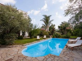 apartment in charming Villa with swimming pool