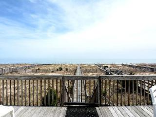 Dalton Son - Beautiful 5 bedroom oceanfront home, perfect for families., Kure Beach
