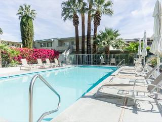Modern 1BR Palm Springs Condo Steps from N. Palm Canyon Dr.