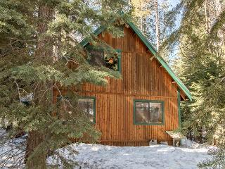 Chalet-Style 3BR PaPa's Place: Close to Donner Lake!