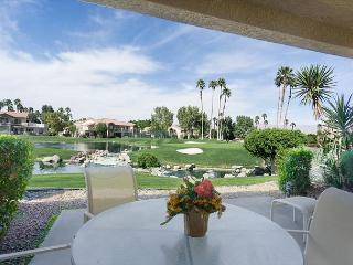 Cheery Condo On a Stunning Golf Course in La Quinta - Sleeps 4