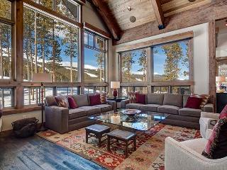 Elite Ski-In/Ski-Out Mountain Chalet with Tenmile Views, Breckenridge