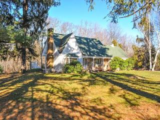 OVR's Shady Oak Cottage- Private pool, 5 bedrooms, minutes to Ohiopyle!, Chalk Hill