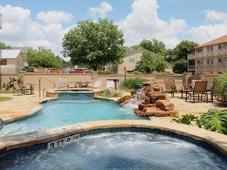 Vacationers Paradise in the Heart of New Braunfels
