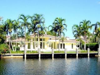 The Original Florida Dream Heated Pool 4/4,12 guests Gated Community, Hallandale