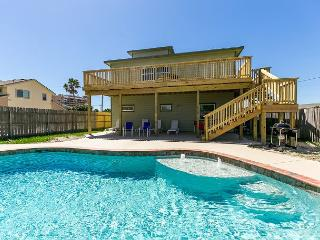 Leave of Absence: Ocean Views, PRIVATE POOL, Walk to Beach, Rooftop Deck, Port Aransas