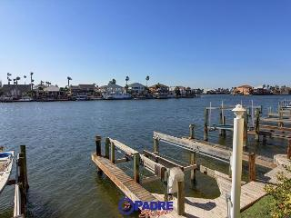 1st Floor Waterfront condo with a boat slip!, Corpus Christi