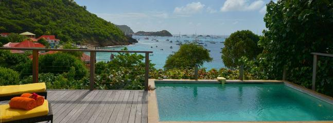 Romantic, Ideal for Couples, Private Path to the Beach, Short Distance to Restaurants & Shops, Anse des Flamands
