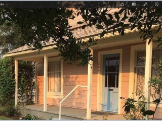 Walk to Downtown/Theaters from this Charming Home, Ashland
