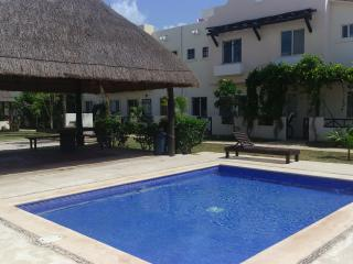 Beautiful and Confortable House with pool ESTANYOL, Playa del Carmen