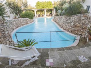 Romantic Flat with Pool