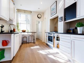4 bedroom apartment overlooking Battersea Park, Battersea, Londres